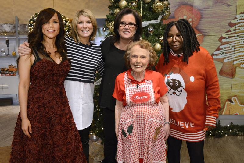 ROSIE PEREZ, NICOLLE WALLACE, ROSIE O'DONNELL, MARJORIE JOHNSON, WHOOPI GOLDBERG